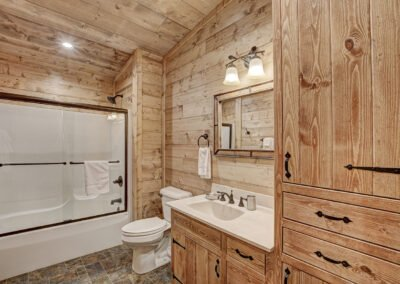 Walleye Cabin Bathroom