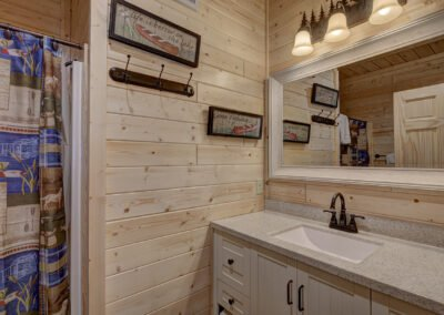 Perch Cabin Bathroom