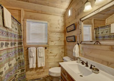 Musky Cabin Bathroom