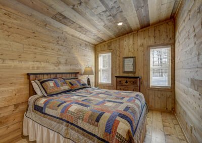 Musky Cabin Bedroom 2