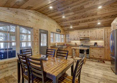 Walleye Cabin Dining Area
