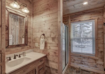 Walleye Cabin Master Bathroom